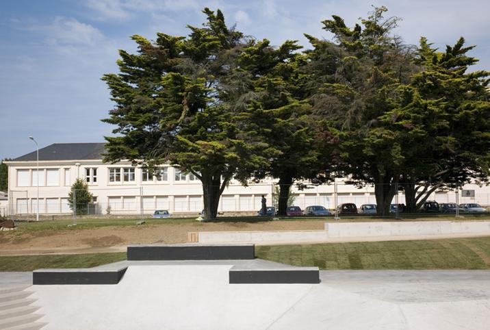 http://www.francoistaverne.com/files/gimgs/72_skatepark-saint-nazaire-61.jpg